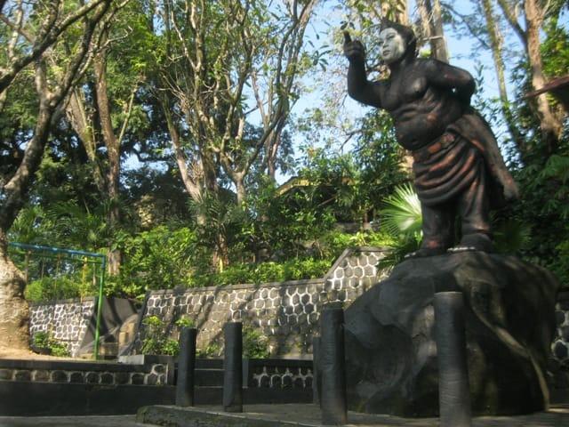 Pentingnya Menjaga Senjata Tradisional Jawa Tengah